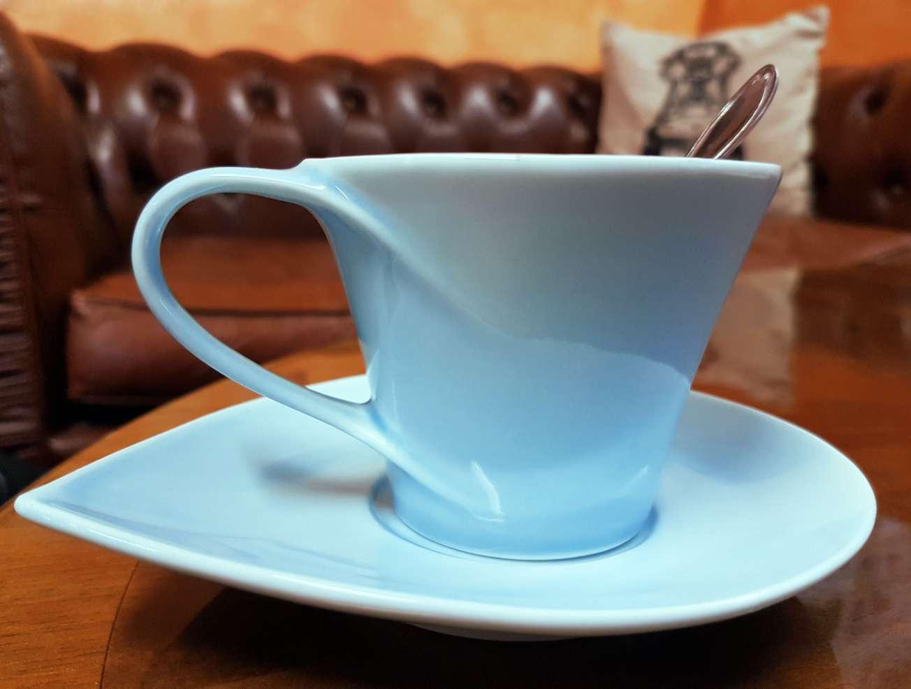 na kávu