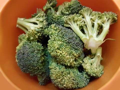 miska s brokolicou