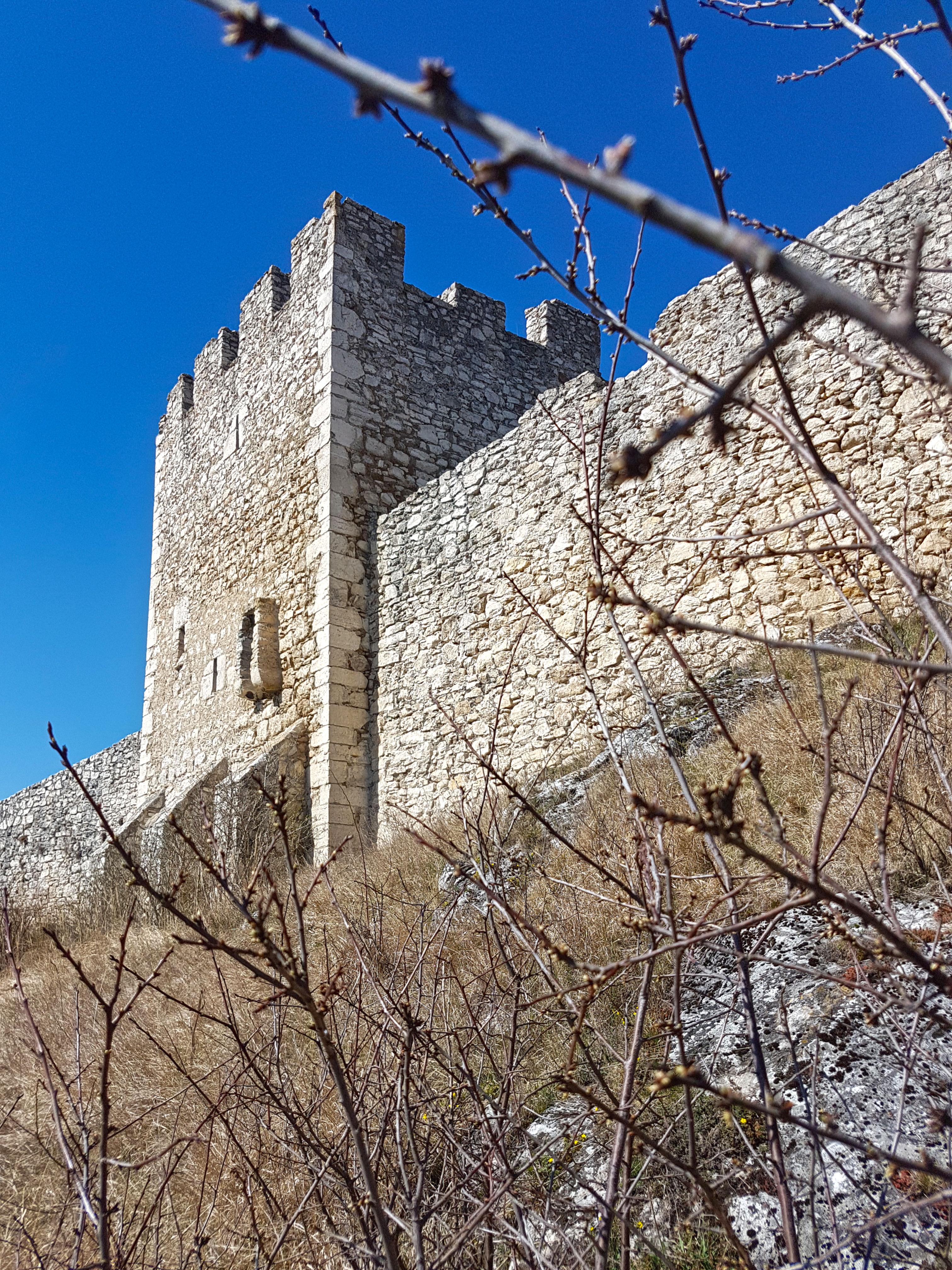 Stredoveká hradba