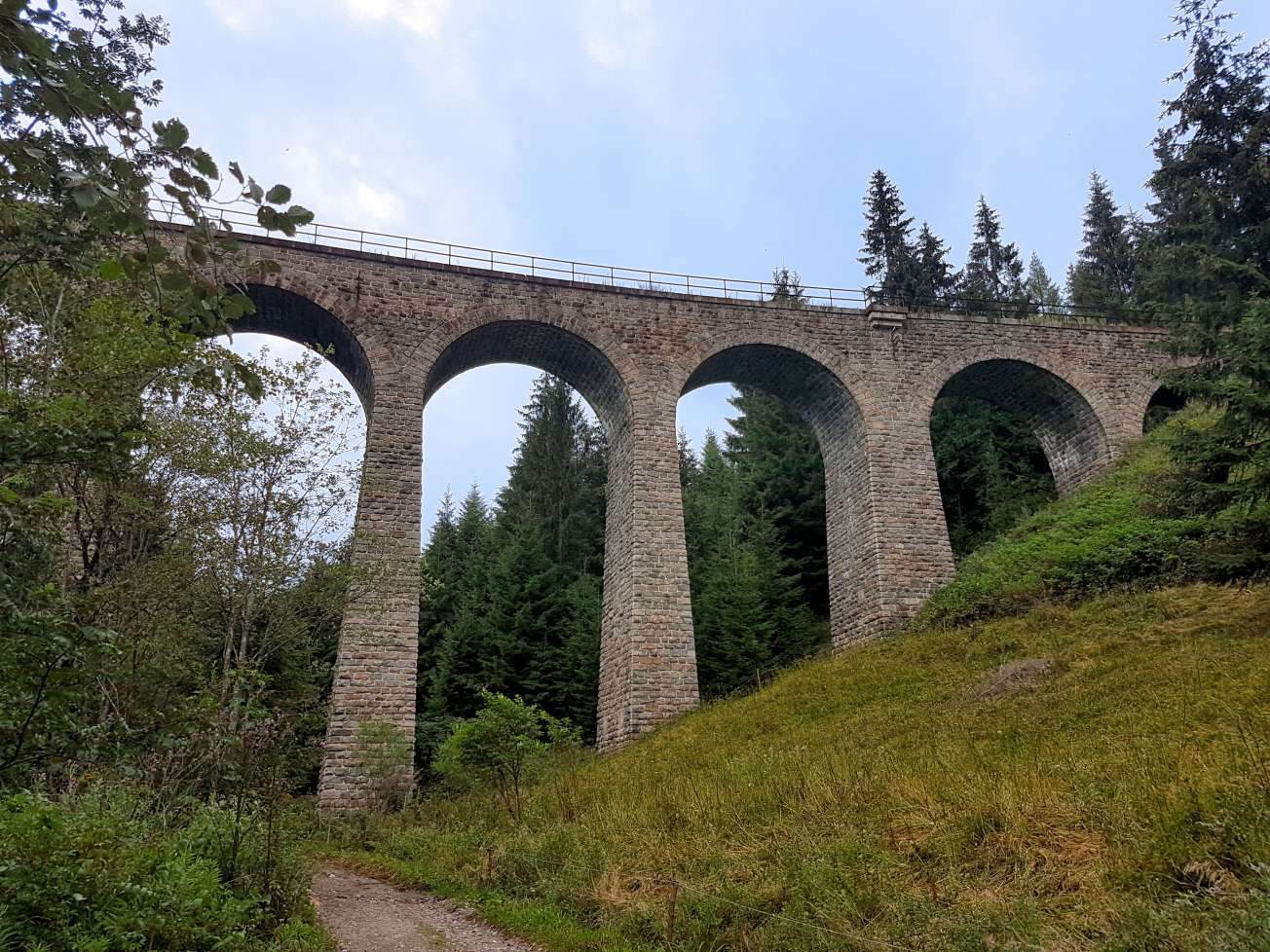kamenny-most