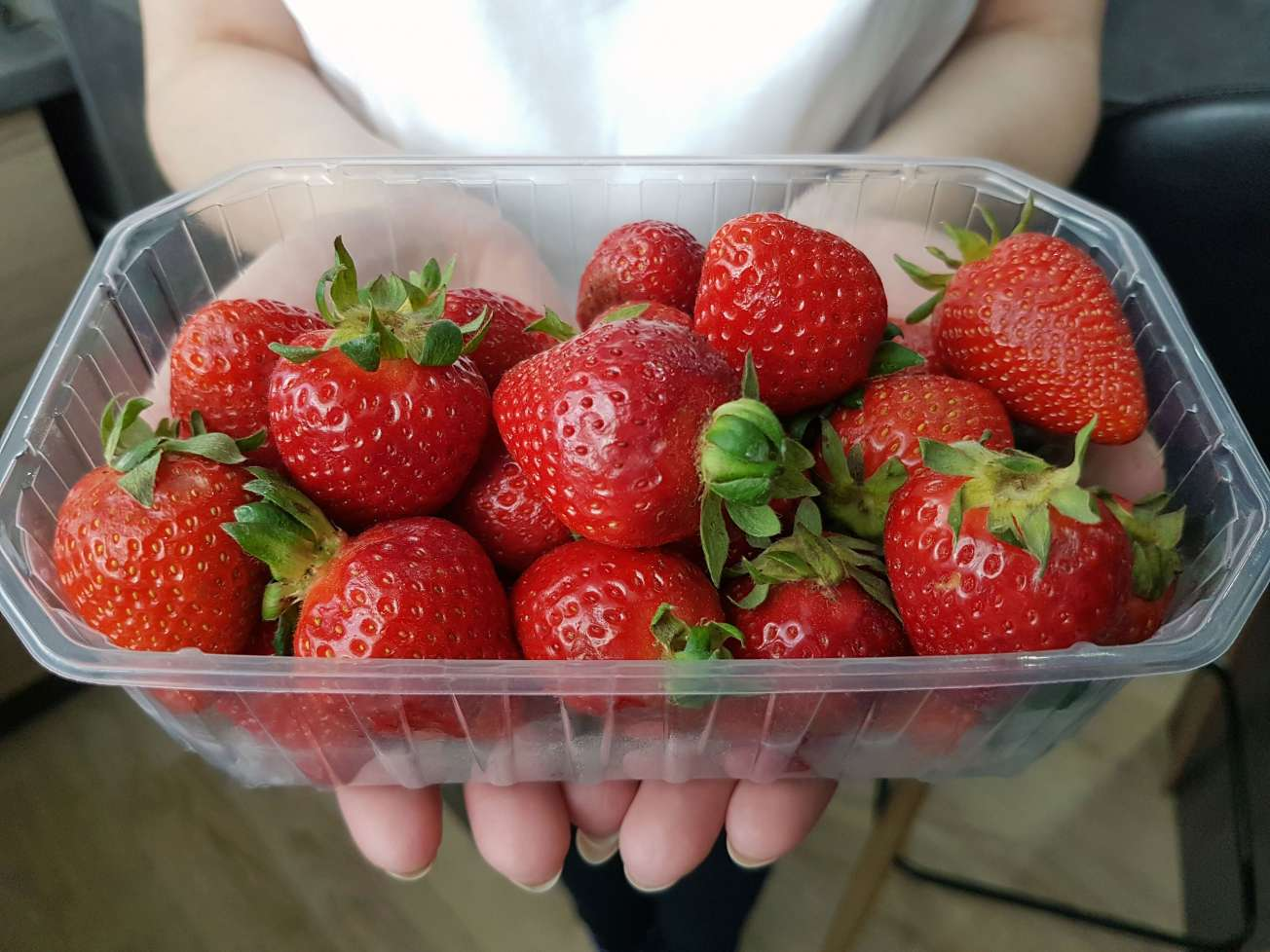 červené chutné jahody