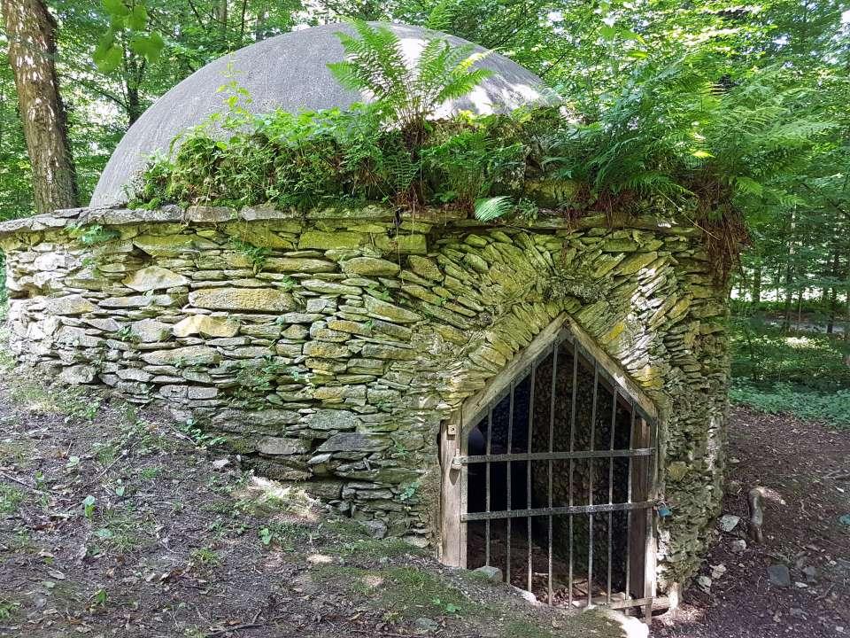 Hermesova studňa v parku