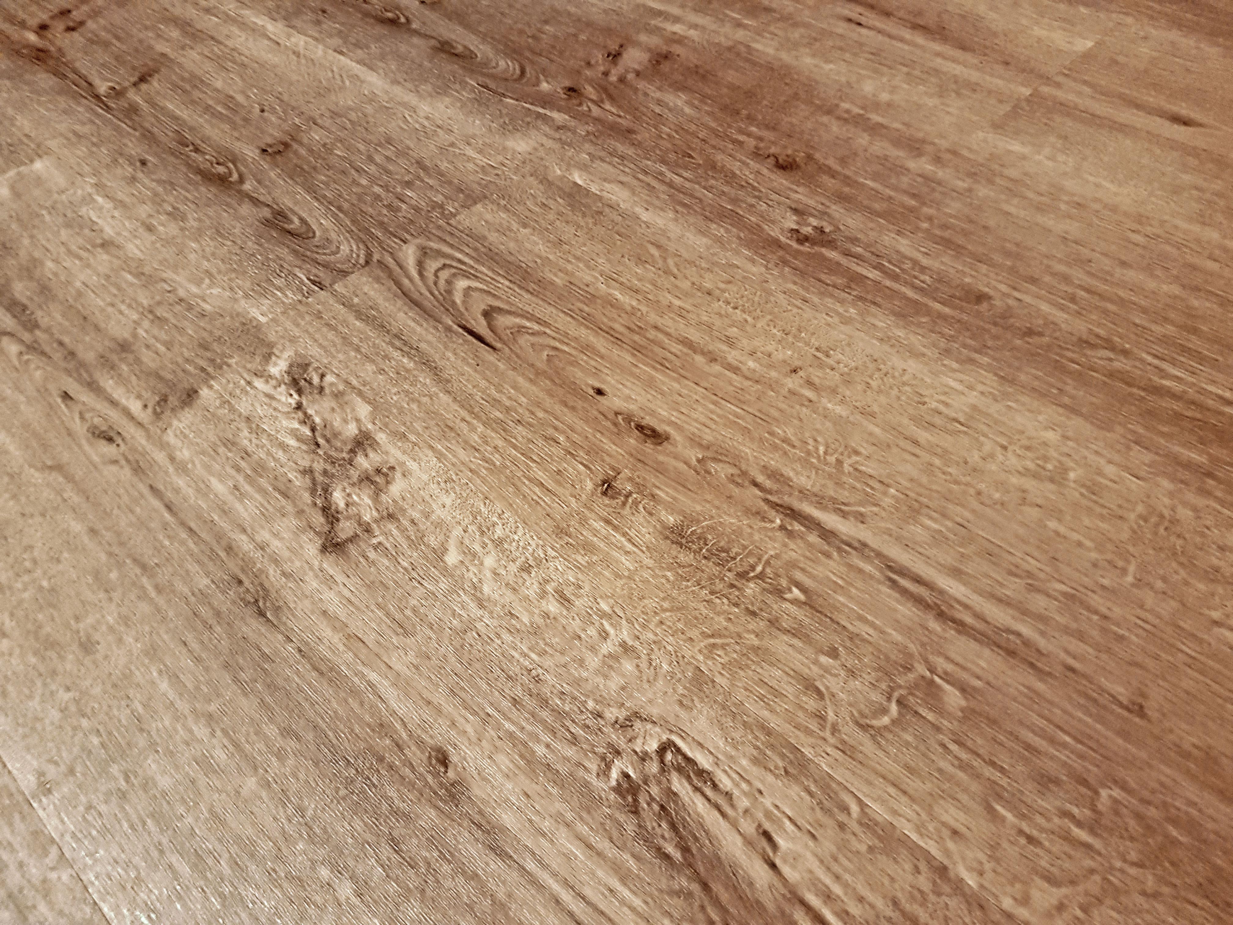Vinylová podlaha drevo