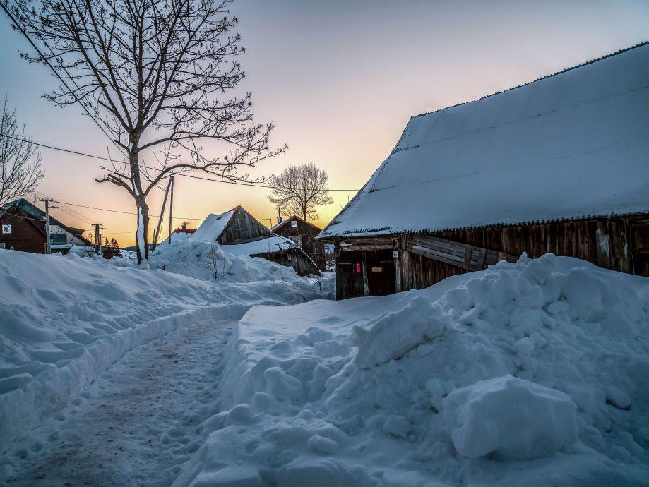 Zasnežená dedina