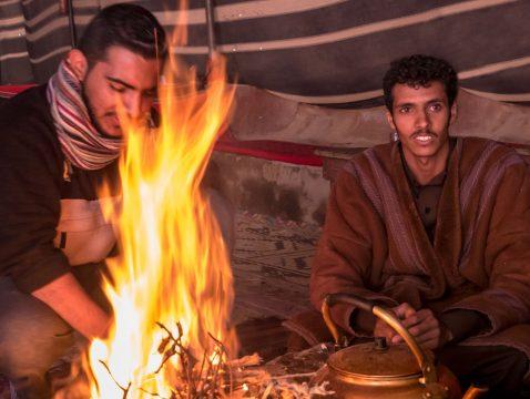 Beduíni v púšti Wadi Rum