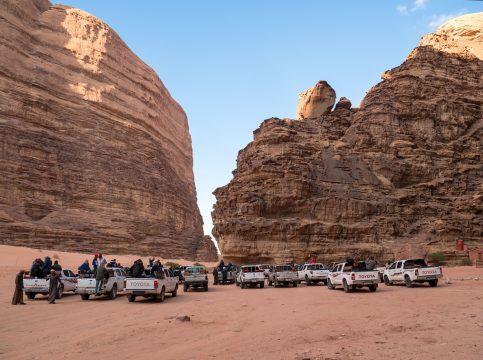 Turisti v púšti