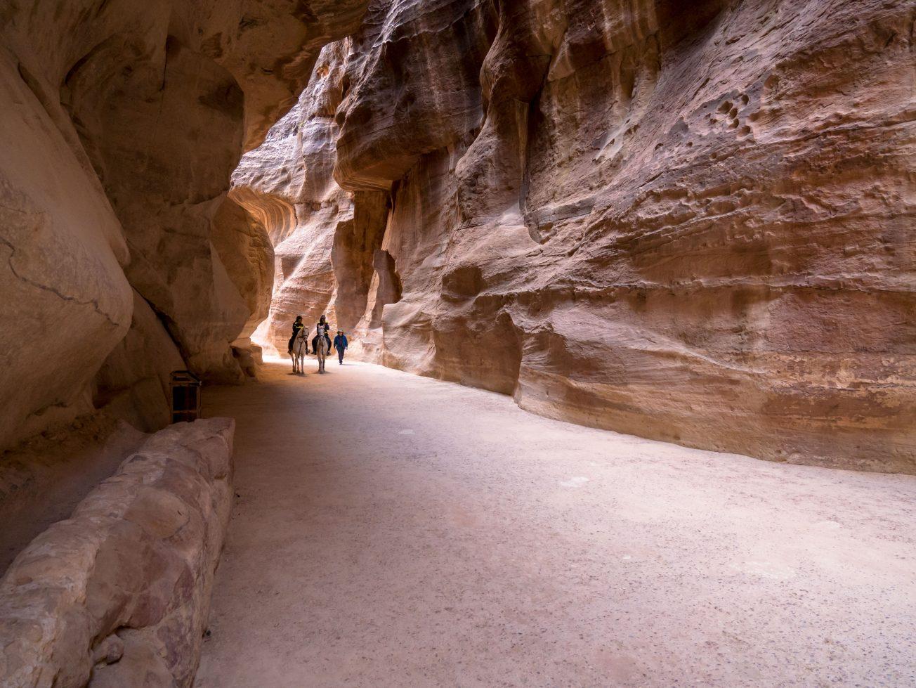 Údolie v skalách