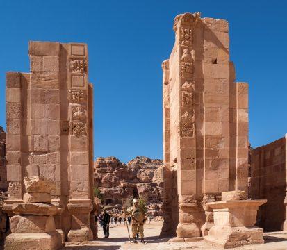 Brána pri Veľkom chráme Petra
