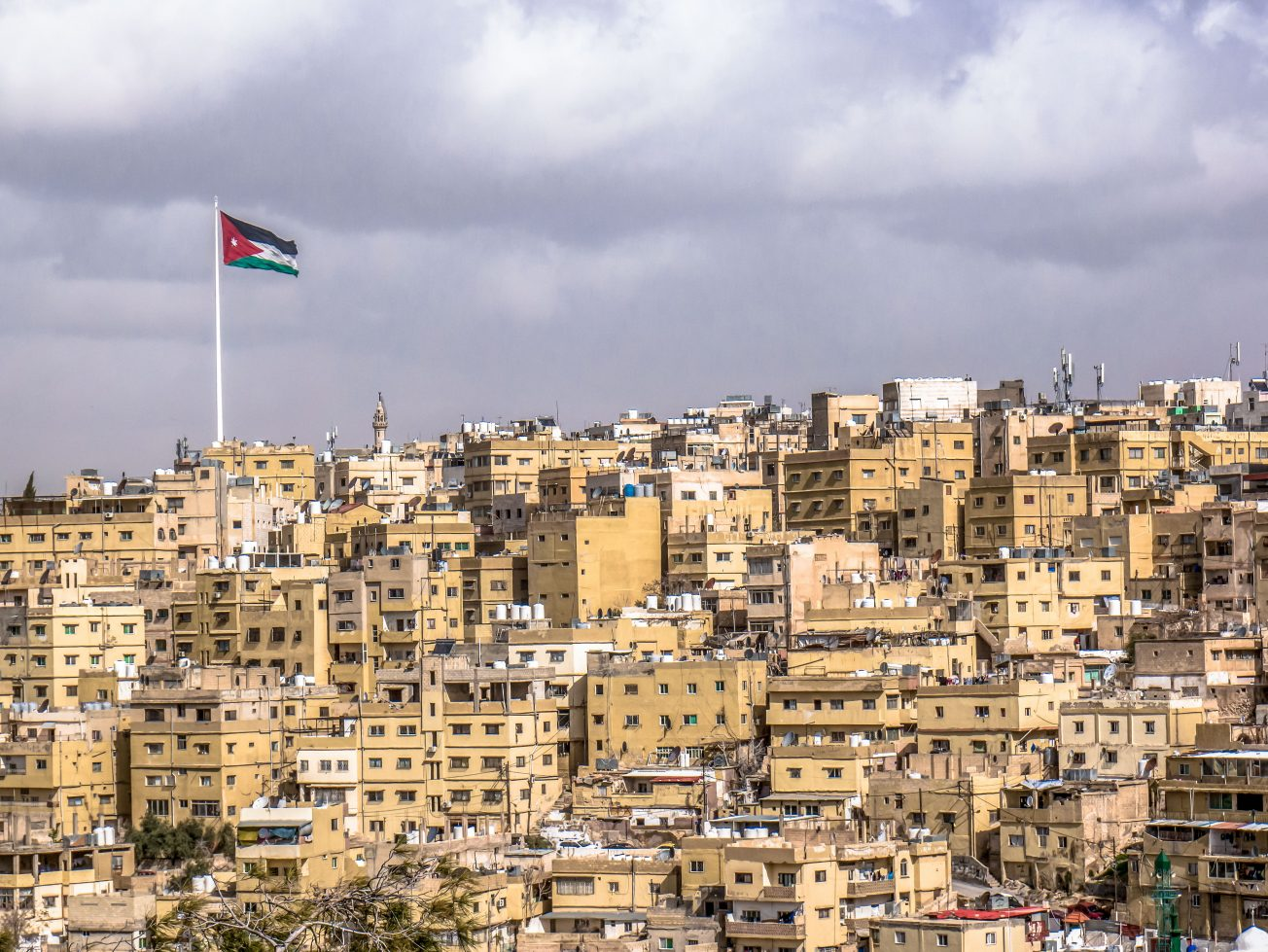 Jordánska vlajka nad Ammanom