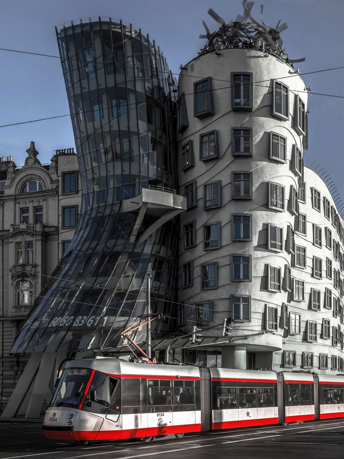 Tancujúci dom, moderná ikona Prahy