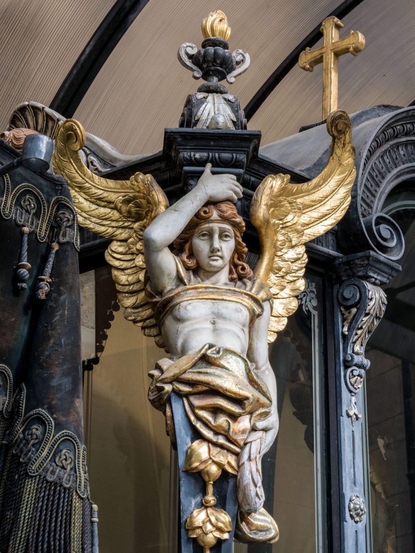 Pohrebný koč - socha